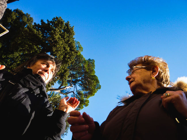 Streetphotography Street Photography Tree People Adult Real People Sky Friendship Togetherness Outdoors Women Italy Rome Bottomview Old Ladies