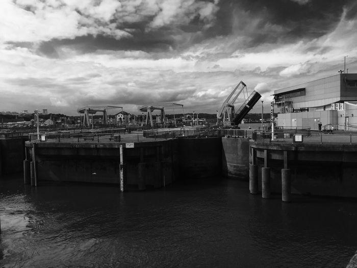 Water Cardiff Bay Barrage Low Tide Loving Life! Cardiff 2016