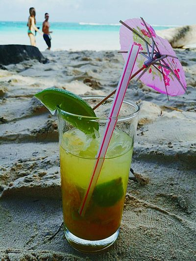 Relax Moment Close-up Coctails Cóctel Coctail Coctail Time Coctail Hour Coctails For Lovers Coctail On A Beach Coctail Glass Traveling Home For The Holidays