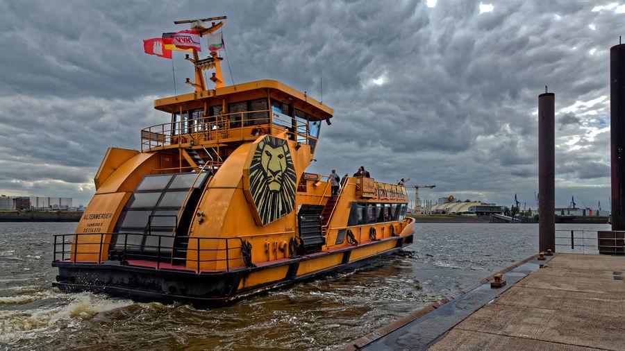 Anleger Elbphilharmonie. Hamburg. 2012 Anleger Elbphilharmonie Elbe Bei Hamburg Hamburger Hafen People Shipping Personenschiffahrt Pier Elbphilharmonie Nautical Vessel