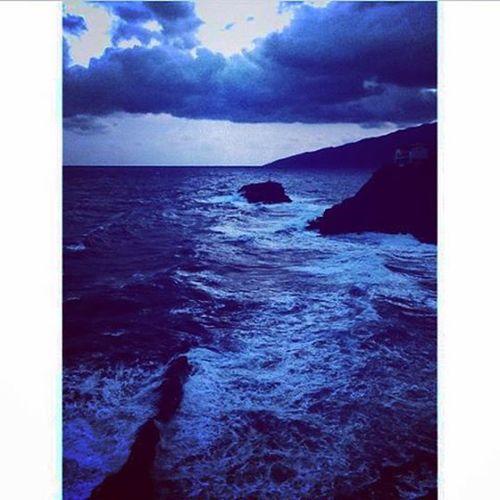 Δεν είχα φίλους ναυτικούς πνίγηκα με τους κολλητούς. Ikaria Ikariagram Myisland Sea Seavoice Nightsky Blueisallaroundme Summer Summermood Summerishere NightBath Clouds Love Freedom Happiness Nightthinkers Amazingview Vscolove Vscosummer