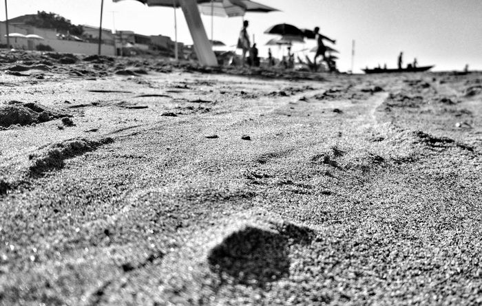Beach Visual Poetry Rome Italy The Great Outdoors - 2016 EyeEm Awards Getting Inspired The Place Where I Live My Pic My Poem Sand Roma The Places I've Been Today Blackandwhite Black And White Black & White People People Photography Fine Art Photography Shadows & Lights Monochrome Photography
