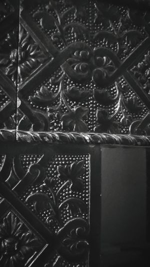 Design Close-up Backgrounds Full Frame Indoors  Pattern Decoration Art And Craft Ornate Architectural Feature Creativity Intricacy Architecture And Art Complexity Geometric Shape Architectural Column Blackandwhite Photography Black & White Heating Old Heating Old Heater Old Heating System Ceramic Ceramic Tiles