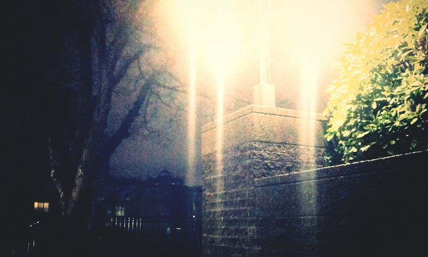"Andrography Phoneography Vignette For Android ""Rain-Stretched Light"" Ruined Physical Laws"