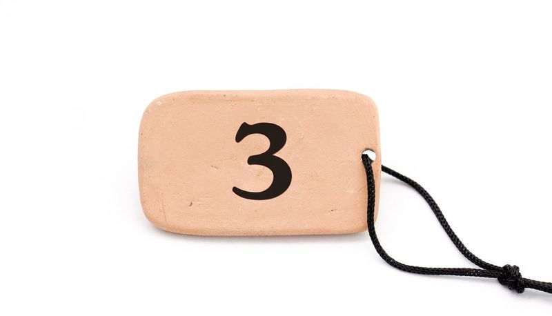 numbers 1 2 2018 3 4 5 6 666 69👌 7 8 9 Ceramic Table Hanging Out Math Rope Ceramic Clay Close-up Mumber Numbers Plate Souvenir White Background