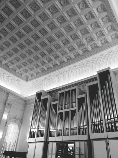 Indoors  Architecture Built Structure Arts Culture And Entertainment Travel Destinations Low Angle View No People Day Bnw_collection Bnw_friday_eyeemchallenge Bnw_society Organs Conservatory Of Music Indoors  Art Is Everywhere