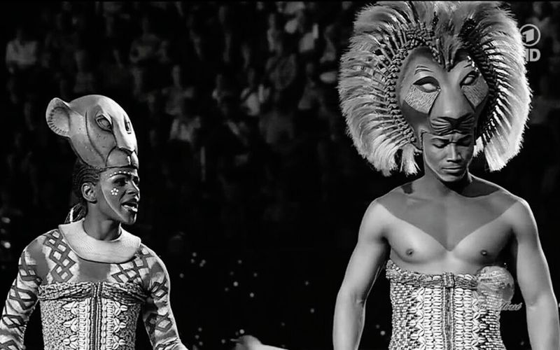 Simba an Nala in black n white Musical Lion King  Nala Simba Lionking Rafiki  Disney Mufasa Serabi Savannah Africa Show CIRCLE Of LIFE Can You Feel The Love Theatre Nala Singing I Can See Whats Happening