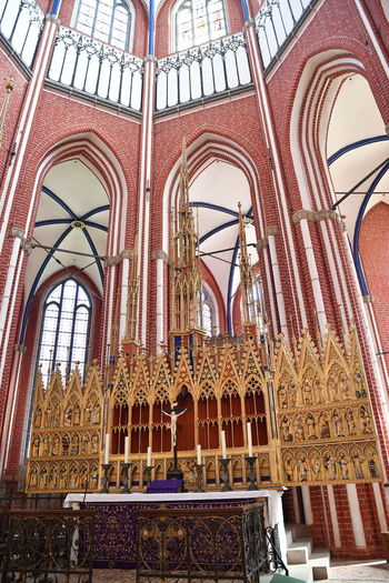 Münster Bad Doberan innen Münster Bad Doberan Innenansicht Kirchenschiff Built Structure Architecture Belief Low Angle View Religion Place Of Worship Spirituality Building Building Exterior Travel Destinations History No People Day The Past Arch Travel Architectural Column Ornate Ceiling