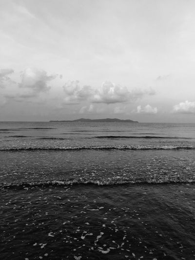 Sounds of the beach 🏝 Thailand Black And White Photography Blackandwhite Water Sea Sky Scenics - Nature Tranquility Cloud - Sky Beauty In Nature Nature Beach Day No People