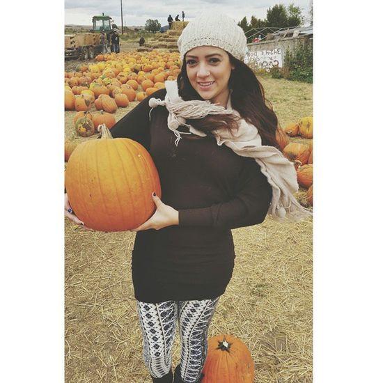 ??? I love Halloween Fall October Pumpkinpicking Pumpkin