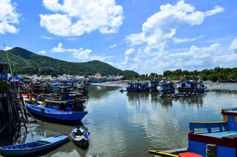 Da port Architecture Ben Da Boat Building Exterior Cloud - Sky Day Harbor Mode Of Transport Moored Mountain Range Nautical Vessel Outdoors Pedal Boat Reflection River Scenics Sky Tranquil Scene Tranquility Transportation Travel Destinations Tree Vung Tau, Viet Nam Water Yacht
