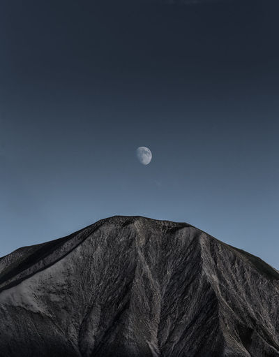 Perspectives On Nature Moonlight Moon Shots Moon Mountain Range Minimal Minimalobsession Minimalism Landscape_Collection Landscape Outdoors Nature_collection Nature Photography Landscape_photography Mountain Nightphotography Night Photography Naturephotography Landscape #Nature #photography Minimalist Naturelovers Mountain_collection Geology Moon Light Night View See The Light Fresh On Market 2017 The Great Outdoors - 2018 EyeEm Awards