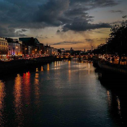Dublin at Night ..I really do love youIreland ....Irelanddream CityAtNight Lights Riverview Nightview Dublinnightlife Kungfuprincessontheroad Travel Inspiration EyeEmNewHere