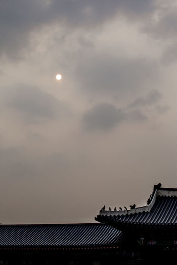 Architecture Beauty In Nature Building Exterior Built Structure Cloud Cloud - Sky Cloudy Dusk Gyungbok Palace High Section Historic Place House Korean Traditional Architecture Low Angle View Nature No People Outdoors Palace Roof Scenics Silhouette Sky Sun Sunlight Sunset