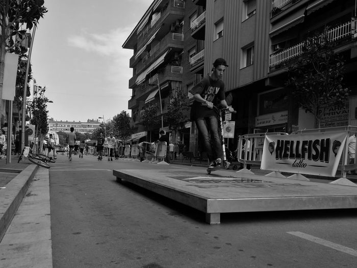 Skateboarding Skate Scooter Boy City Life City Street City Street City Life Outdoors Leica Black And White Huaweip9monochrome P9monochrome HuaweiP9