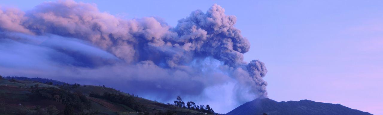 Volcano Volcan Turrialba Nature Photography Eruption Morning Light