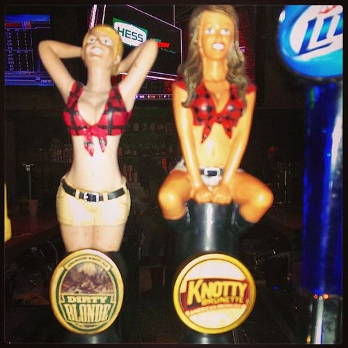 Two Beers at Twinpeaksplano Dirtyblonde and Knottybrunette take your pic :)