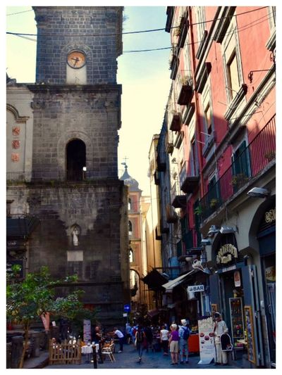 """Bella Italia 🇮🇹 💫✨ Italy❤️ Neapel Naples Naples, Italy """"Neapel Sehen Und Sterben… Frei Nach J.W.v.Goethe"""" Architecture Building Exterior Built Structure Large Group Of People Men Real People Women City Day Outdoors People Adult Adults Only"""