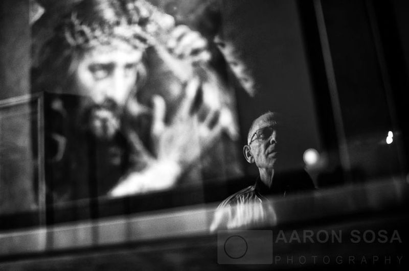 Easter in Caracas / Venezuela / Photography by Aaron Sosa / www.aaronsosaphotography.com Streetphotography Blackandwhite Black And White Religion