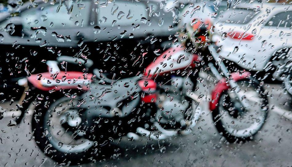 Motorcycle Emptiness Drop Wet Abstract Red Water Window Motorbike Honda