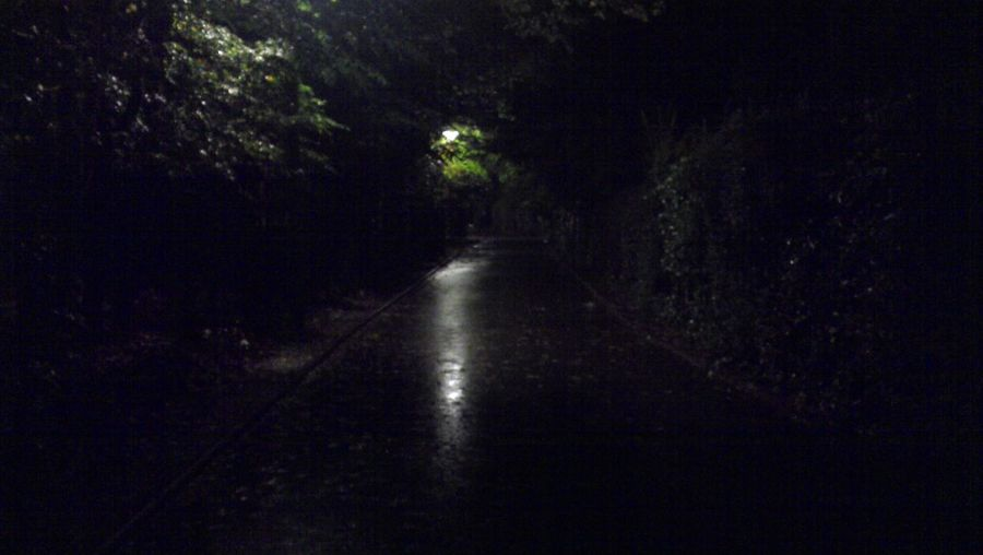 Les Sombre Ruelle, Chemins Et Routes de Nuit. Vive les Réverbère Lampadaire