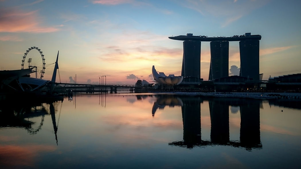 50/50 Colours Dawn Marina Bay Sands Mbs Reflection Singapore Singapore Flyer