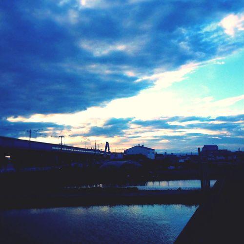 最近、曇り気味だなぁ Sky Clouds And Sky Blue Blue Sky