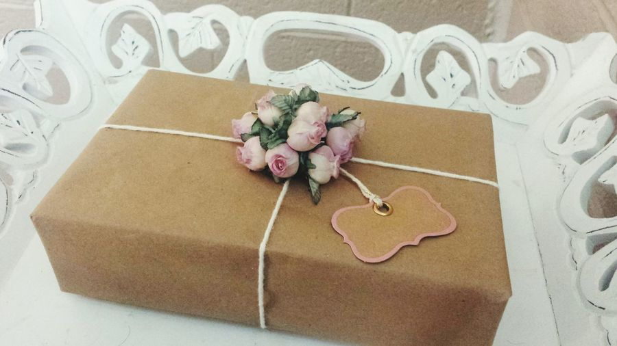 Weddings Around The World present for you Wedding Present Pretty Regalo Bodas Flores