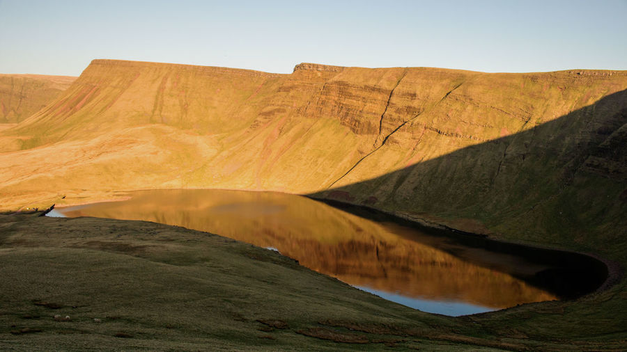 Llyn y Fan Fach Lake Mountain Breconbeacons Blackmountain Wales Hill Rural Scene Hiking Sky Landscape