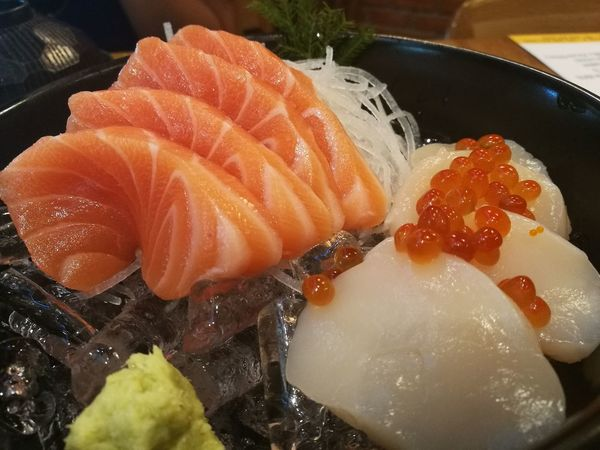 Food And Drink Japanese Food Salmon Sashimi Hotate Scallop Sashimilovers Food And Drink Food Freshness Indoors  SLICE Close-up Healthy Eating Still Life Ready-to-eat Serving Size Meal Homemade Orange Color Salmon Culture Appetizer Indulgence Savory Food Cooked