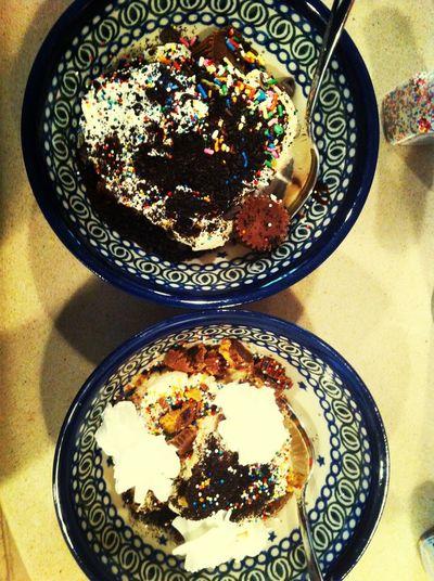 Ice cream sundaes for breakfast? I think yes.