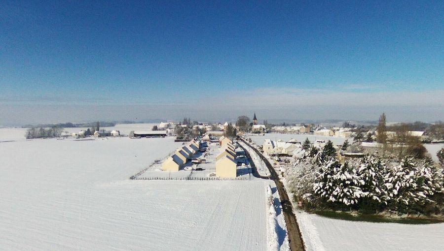 Chemin Paré sous la neige EyeEm Selects Day Outdoors Copy Space Winter Blue Snow