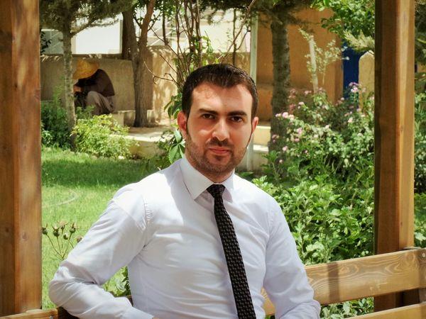 At University Man Formal Style Color Portrait That's Me Photography Today's Hot Look Erbil Cihan University Handsome Popular Photos