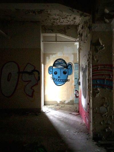 EyeEm Adventure Alte Fleischfabrik Logopaede Goes Urbex Urbex Streetart Street Art Darkness And Light Abandoned