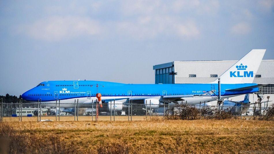Tokyo, Narita International Airport (NRT) / KLM Royal Dutch Airlines Boeing 747-400 Transportation Sky Blue No People Tokyo Traveling Flight Japan Flying Airport Airplane Boeing Travel KLM