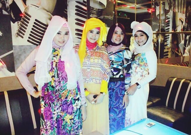 My Bestfriends Hanging Out Hijab Style