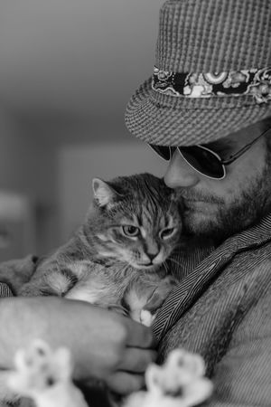 Cute Pets Cuteness Hat Man Soft Animal Themes Close-up Cute Day Domestic Animals Domestic Cat Feline Home Interior Indoors  Mammal No People One Animal Personality  Pets Portrait Relaxation Selective Focus Sitting Sunglasses Tuff