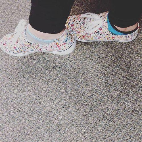 Is it weird to like being at the dentist? Weird Dentist Cleanteeth Shoes Sneakers Paintsplatter White Leggings Socks Uglycarpet Denistwaitingroom Waiting Waitingroom