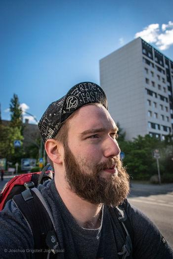 JoGri In The Road Selfy Biker Fahrrad Fahrradfahren EyeEm Selects Headshot Men Front View Sky Close-up
