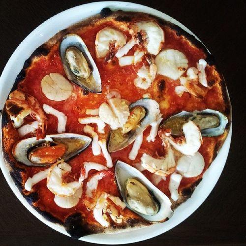 Nice Seafood Pizza at Brio!! Broi Pizza Anantara Ananatarabangkokriverside Bangkokriverdining