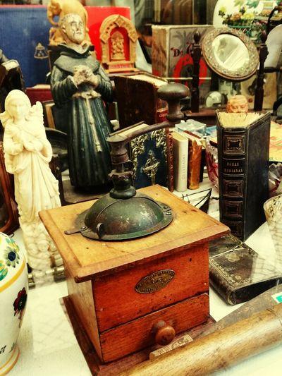 Lissabon, Trödel Store For Sale Indoors  Antique Close-up Lissabon,