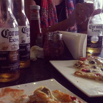 Lunch with friends..,! Pizza Corona Beer Cafeboombox lunchinstafoodinstagoodinstahappy