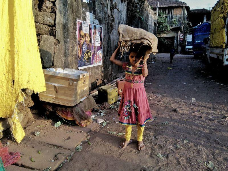 Girl Power Streetphoto_color Street Photography Hello World Streetsofindia Street Life Streets In Color People People Photography Children Photography Child Labour Documentary Documentary Photography