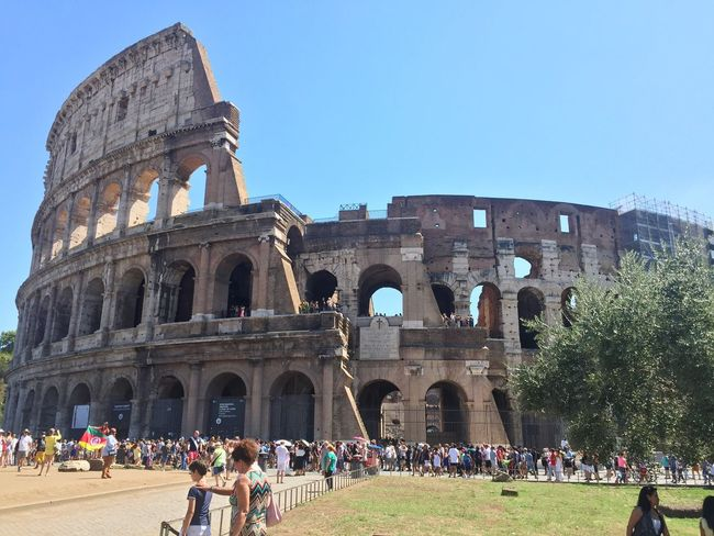 Sunnyday☀️ Tourist Attraction  Colosseo Roma Crowds Heritage