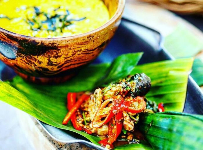 Curry bowl with soup. Curry Asian Food Close-up Curry Food, Focus On Foreground Food Food And Drink Freshness Green Color Healthy Eating High Angle View Indoors  Japanese Food Leaf No People Plant Part Plate Ready-to-eat Seafood Selective Focus Spice Still Life Wellbeing