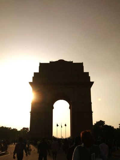 When the sun strikes hard-sillhoutte India Gate ( March, 2017) Arch Travel Destinations Old Ruin Architecture Monument Travel Silhouette Triumphal Arch History EyeEmNewHere
