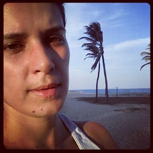 Caminhada na praia ✔ Musculação vamos nós ✔ ??? Carapessima Mastavalendo Exercitese Cuidedasuasaude estoucuidando boatarde vidasaudavel atividadefisica