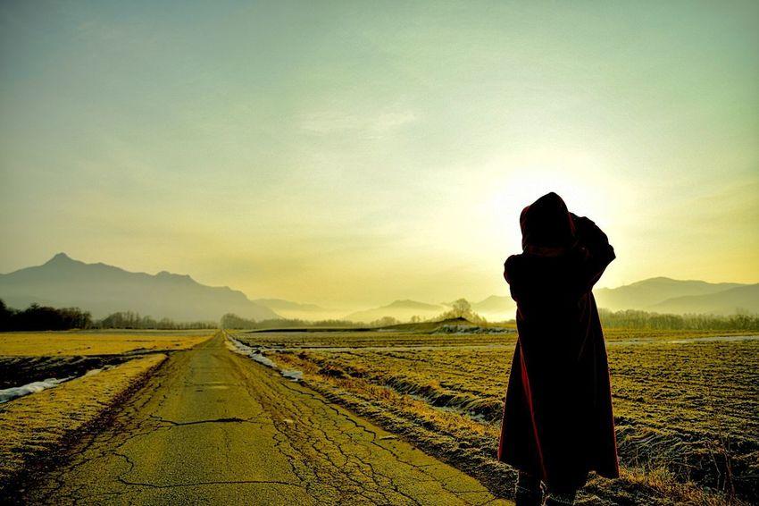 ただの田舎道。だけど特別な道。 Sigmaart EyeEm Best Shots EyeEm Nature Lover Light And Shadow darkness and light Hello World Taking Photos Eyeem映え Agriculture Sky Rural Scene Field Landscape One Person Adult Nature People Beauty In Nature Outdoors