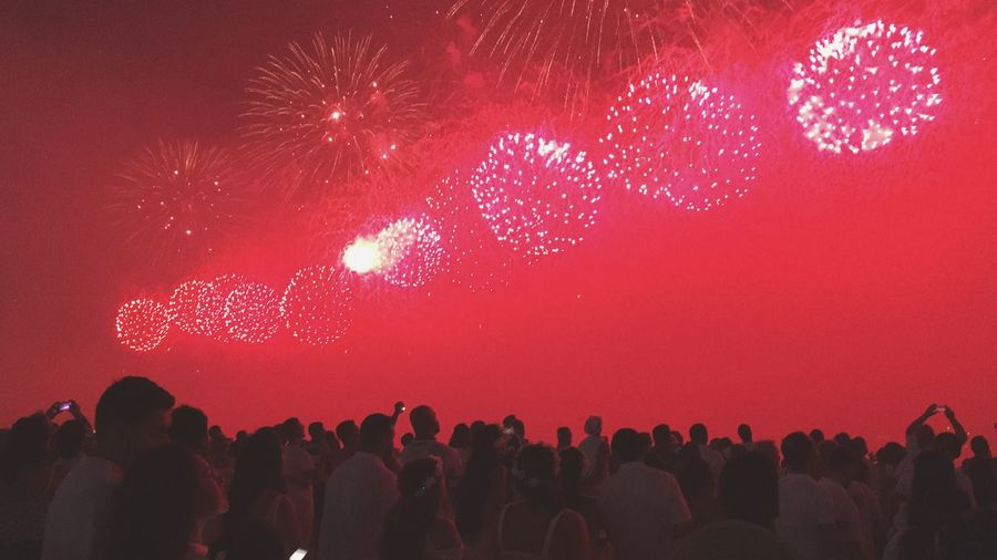 Happy New Year 2019 New Year Eve Fireworks Happy 2019 Happy New Year Rio De Janeiro Eyeem Fotos Collection⛵ Rio De Janeiro Rio De Janeiro, Brazil Crowd Event Illuminated Celebration Nightlife Lifestyles Positive Emotion