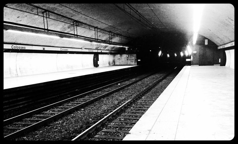 Streetphotography Blackandwhite Metro Roma